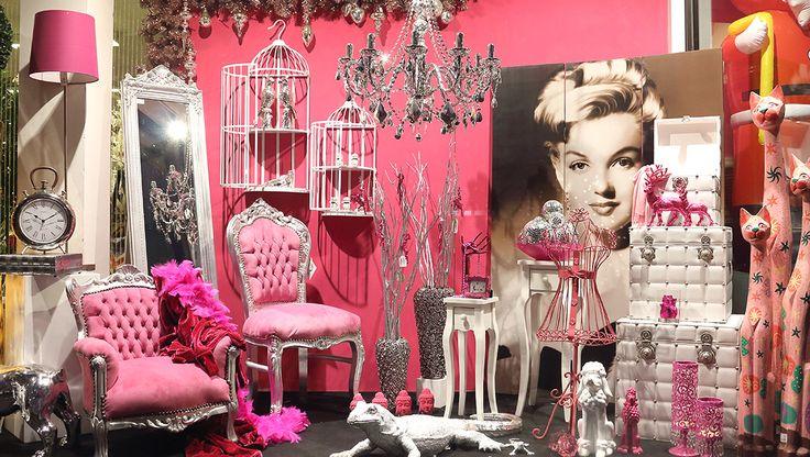 oggettistica, complementi d'arredo e mobili barocco. Realizziamo il tuo stile con stile e originalità con prezzi scontati dai prezzi outlet. http://www.alberti-import-export.com/index.asp