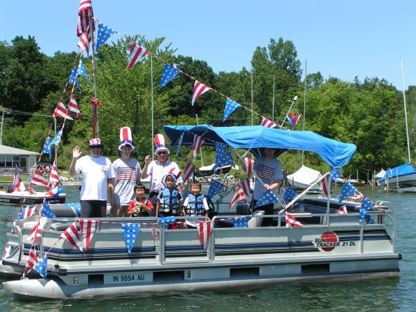 40 best Boat Parade images on Pinterest   Boat parade ...