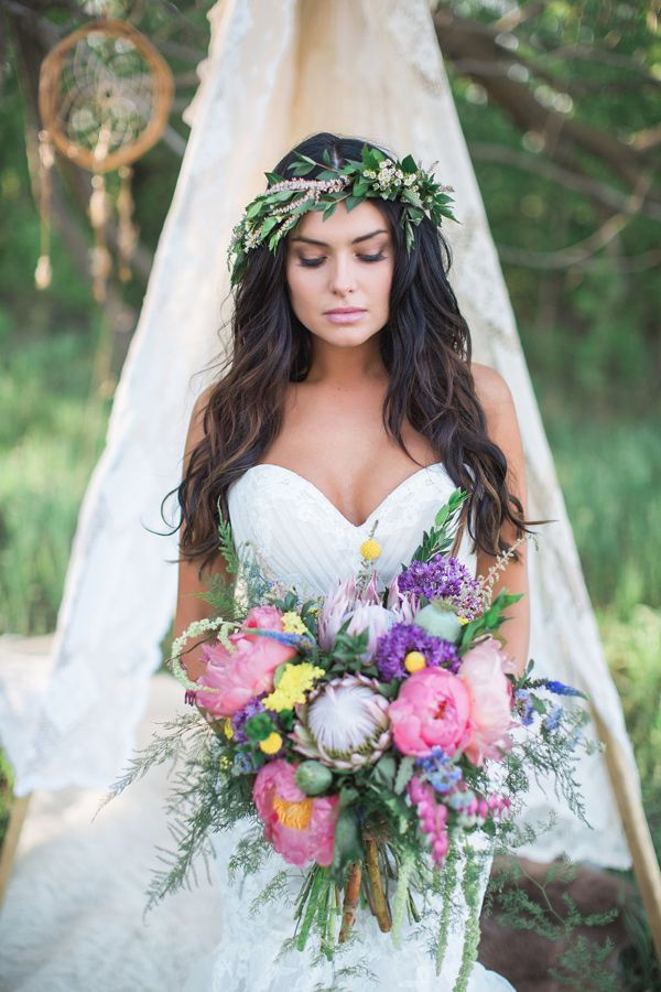 bohemian bridal fashion - photo by Sharon Litchfield Photography http://ruffledblog.com/handcrafted-bohemian-bridal-shoot