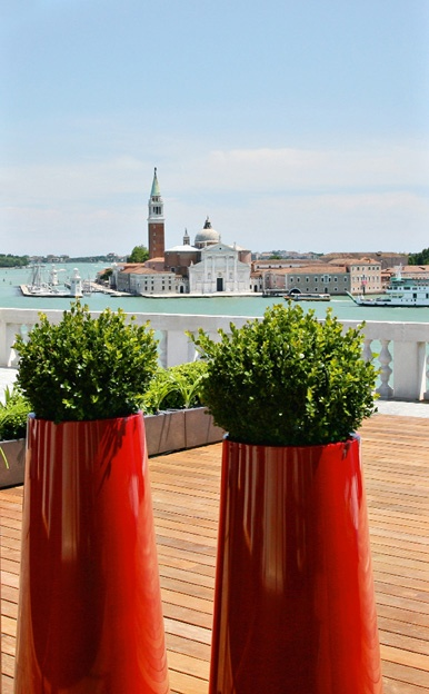 Making their way to Stylish Outdoors shortly ... a huge range of planters available in all sizes and finish!