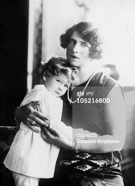 AA.LL.RR. Principesa Elena si micutul P[rincipe Mihai