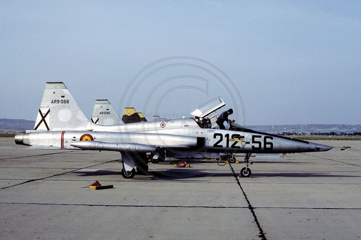 Spanish Air Force Esc 212 Northrop RF-5A AR.9-05/212-56 (1982)