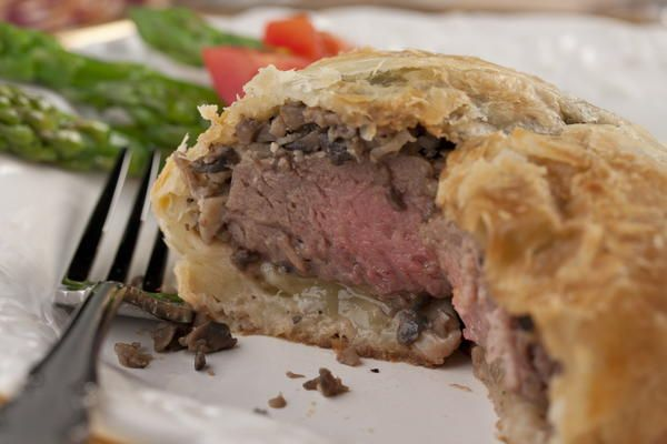 how to cook individual beef wellington