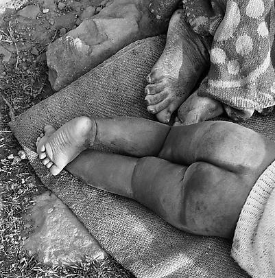 David Goldblatt, Particulars Grandmother and child, Transkei, 1975