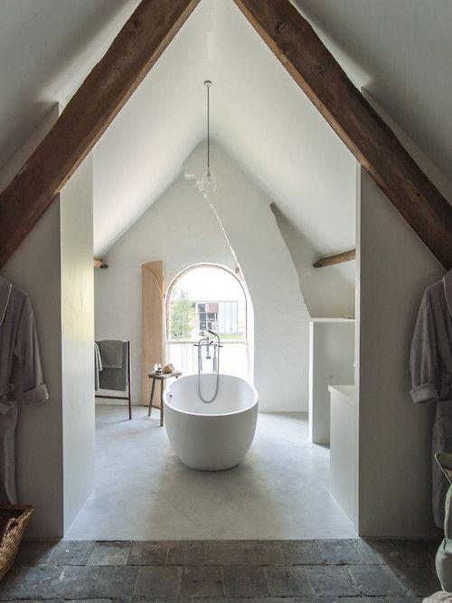 gorgeous tub - attic
