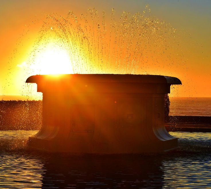 Sunrise fountain napier by Wendy Allen on 500px