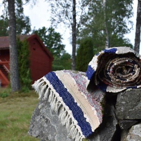 We love swedish rag rugs!  www.rugsofsweden.com  #swedish #handcrafted #ragrugs #ragrug #designdeinteriores #sweden#flickenteppiche #kludeteppe #rugsofsweden