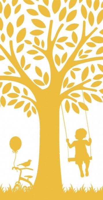 Lucs is een lief schattig geboortekaartje met een jongetje op de schommel aan een boom en zijn loopfietsje met ballon ernaast.