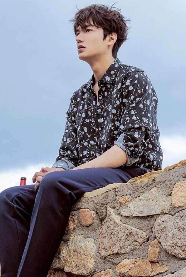 Pin Oleh Tomagashi Di 青い海の伝説 Aktor Aktris Gambar