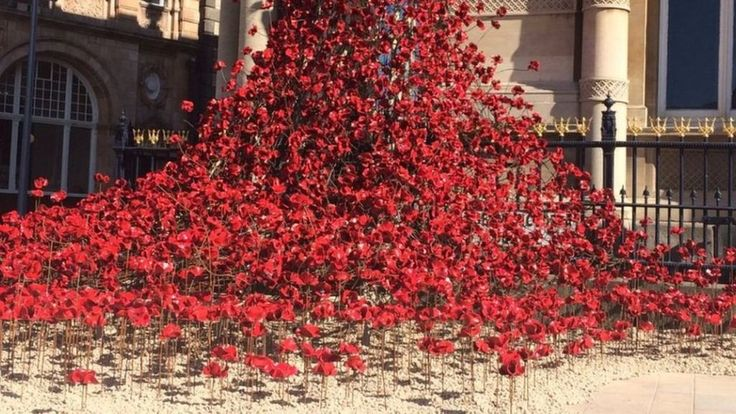 The art in Hull city centre is to highlight sacrifices made by the Merchant and Royal Navies.