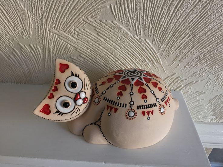 Handmade ceramic mandala cat; Pottery cat; Love Mandala symbol cat; Multi-color cat 45,20 US$