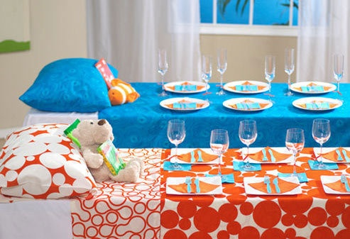 Girls Night In - PJ Party Sleepover Dinner Table Inspiration: Bedtime Stories, Tables Sets, Birthday Parties, Cute Ideas, Slumber Parties, Parties Ideas, Parties Tables, Sleepover Parties, Baby Shower