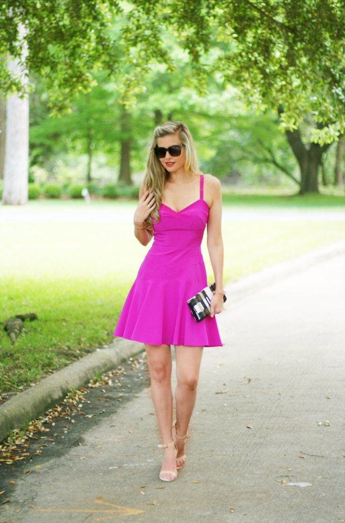 Hot pink spring dresses | roundup of my favorite hot pinks for spring and summer | sun dresses | what to wear to spring wedding | yellow tassel earrings