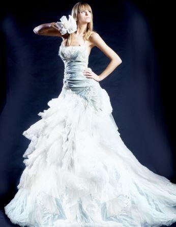 Unikatowe suknie ślubne, wedding dresses - Krótka suknia ślubna z tafty koronki i gniecionego tiulu w komplecie ze spódnicą