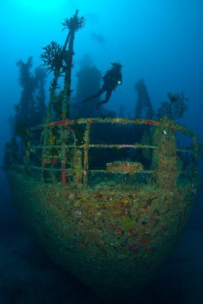 titanic ship underwater - photo #10