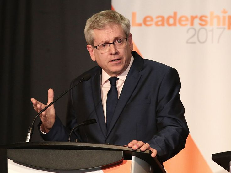 My critic on Charlie Angus and his social media strategy for the 2017 NDP Leadership race.