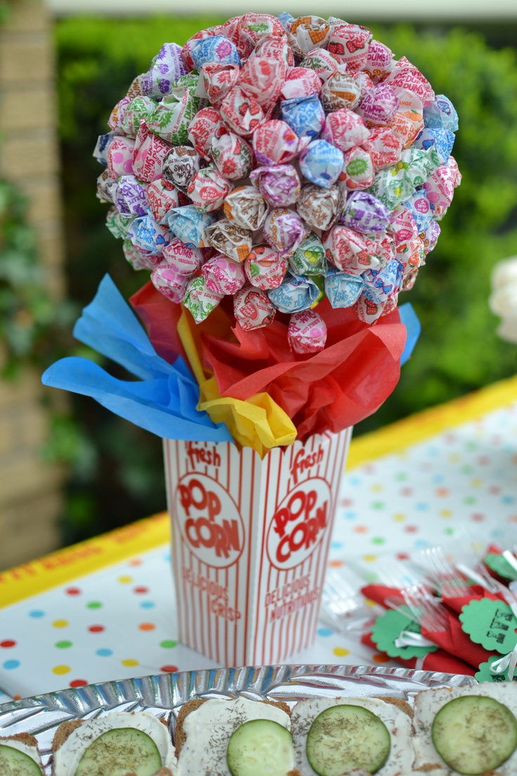 Can't wait to do this for Luca's birthday!: Circus Birthday Parties, Carnivals Birthday, Catch My Party, Carnivals Centerpieces Idea, Carnivals Themed, Circus Birthday Party Idea, Birthday Party Ideas, Lollipops Centerpieces, Circus Party'S