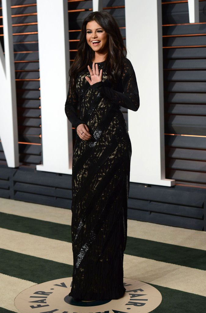 Selena Gomez, Miley Cyrus, Jennifer Aniston, Orlando Bloom, Ashley Greene & More At 2015 Vanity Fair Oscar Party - http://oceanup.com/2015/02/23/selena-gomez-miley-cyrus-jennifer-aniston-orlando-bloom-ashley-greene-more-at-2015-vanity-fair-oscar-party/