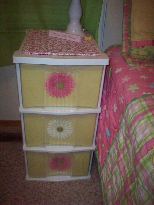 25 best ideas about decorate plastic drawers on pinterest - How to decorate a nightstand ...