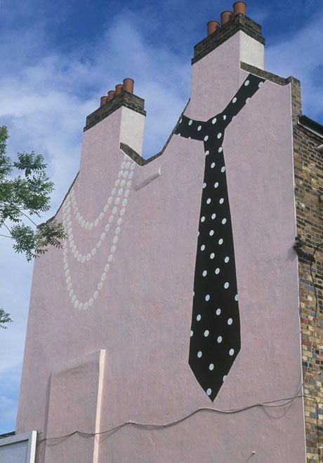 J'habite dans un immeuble très chic... / Street art.
