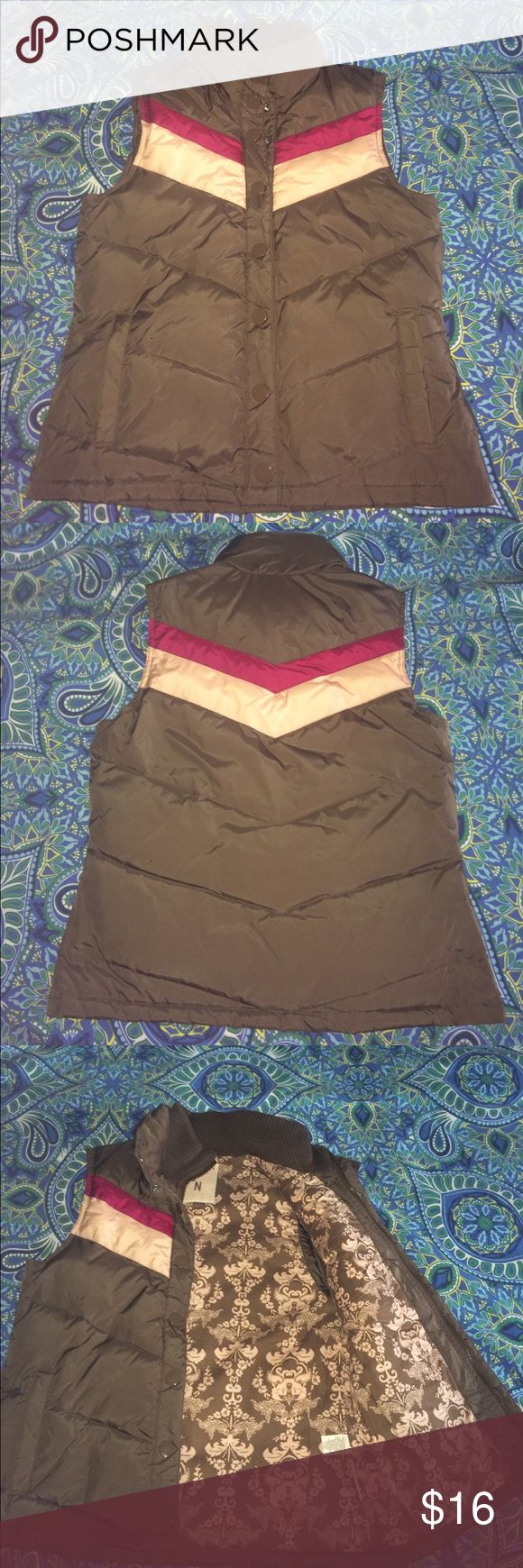 EUC Old Navy Vest EUC Size Medium. Old Navy Vest. Old Navy Jackets & Coats Vests
