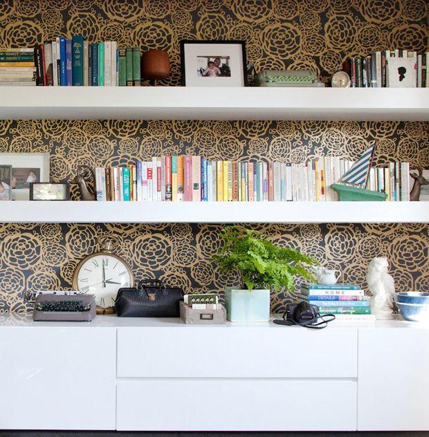 bookcase + wallpaper #decor #bookcase