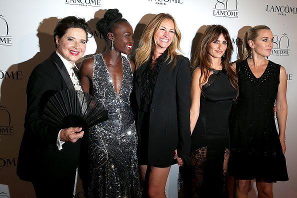 """Η θρυλική εταιρεία κλείνει 80 χρόνια στο προσκήνιο της γυναικείας ομορφιάς και χωρίς λαμπερό πάρτι δεν θα μπορούσε όμως να σφραγιστεί αυτή η γιορτή, γι'αυτό και ο γενικός διευθυντής της εταιρείας Françoise Lehmann διοργάνωσε στο Παρίσι ένα """"WÔW"""" event με 1.200 παρευρισκομένους από τον χώρο της μόδας, της ομορφιάς και της τέχνης.. See more at: http://pressmedoll.gr/i-thriliki-eteria-kalintikon-lancome-giortase-ta-80-tis-chronia/#sthash.JQH6lYjk.dpuf"""