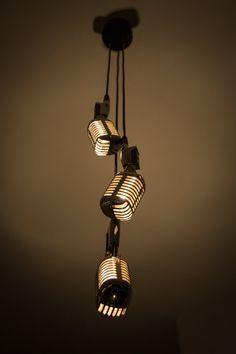 Lampe à suspension faite de trois micros vintage. Longueur du câble sera adaptée spécialement pour vous, les specs: - Full boîtier en métal -