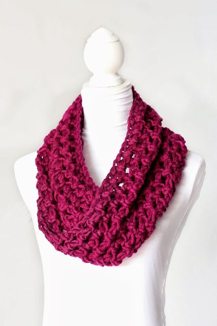 Basic Chunky Cowl Crochet Pattern free pattern. Easy.