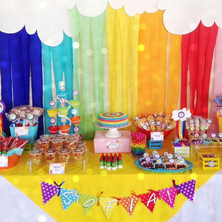 ❤Rainbow party decoration for Sofía 1 year. Love the colors, always is amaizing!!! Fiesta de arcoiris de Sofía, 1 añito. Siempre se ven impresionantes estos colores!❤