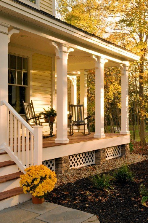I would die for this porch... glorious!                                                                                                                                                                                 More