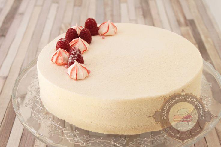 Entremets amande, framboise et vanille: Coulis gélifié à la framboise, pannacotta à la vanille, financier aux framboise, mousse à l'amande