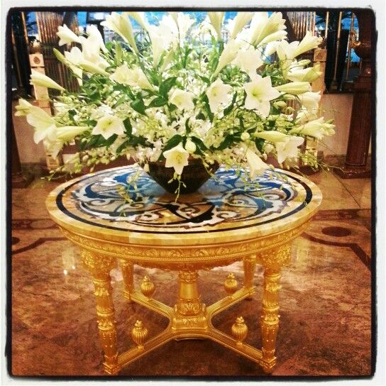 #gold #leaf #table #hotel #moscow
