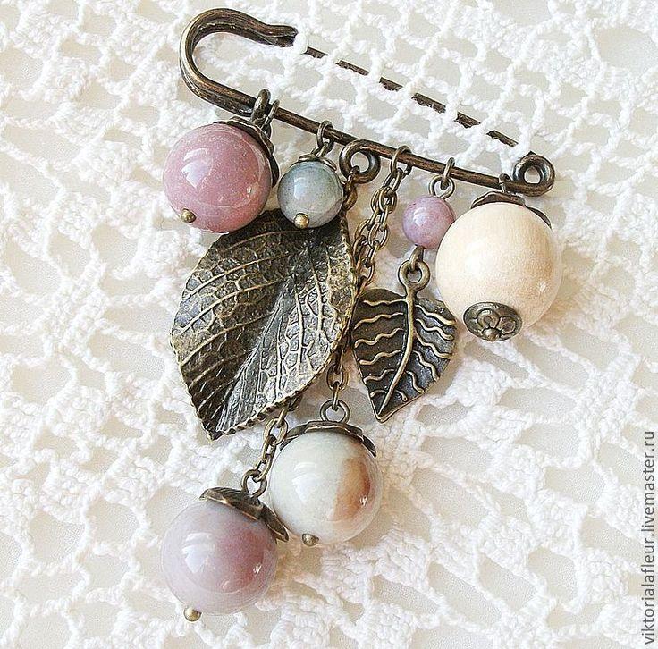 Магазин мастера Виктория: броши, браслеты, комплекты украшений, колье, бусы, брелоки