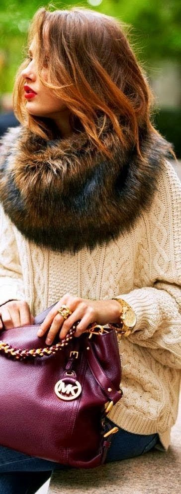 Wire Knit Sweater With Magenta Handbag