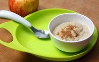 Add apple and cinnamon to this simple porridge, suitable from 7 months