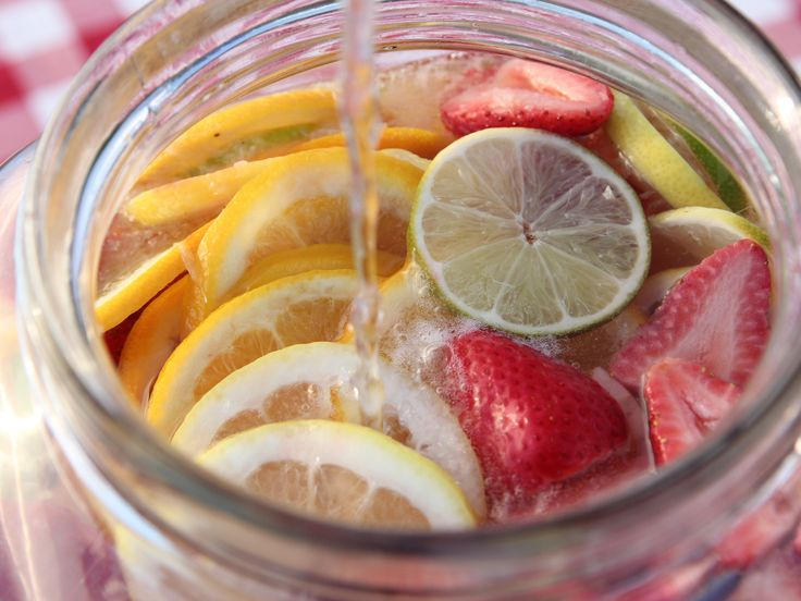 Big Time Sangria recipe from Ree Drummond via Food Network. She used 1C sugar w/1C water to make simple syrup during episode recipe. SO making this!