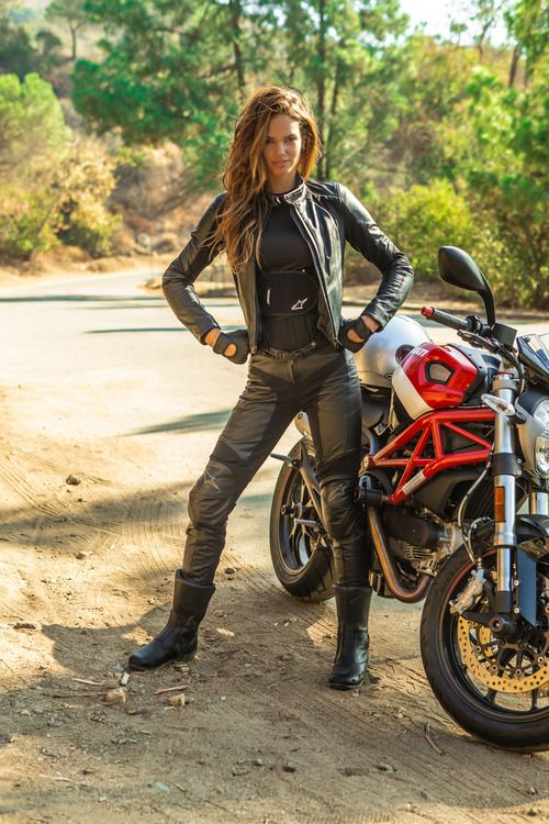 Nothing hotter and sexy than a chick in leather and on a bike