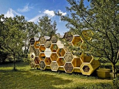 Hexagonal Bee Hotel Aims to Boost Declining Wild Bee Populations