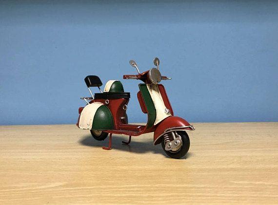 Vintage red scooter vespa miniaturemetal vespa giftItalian