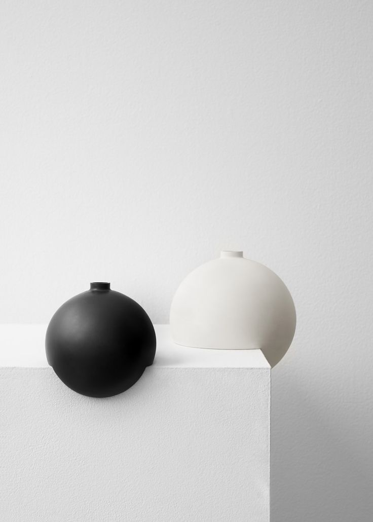 Falke Svatun challenges the conventional perception of a vase
