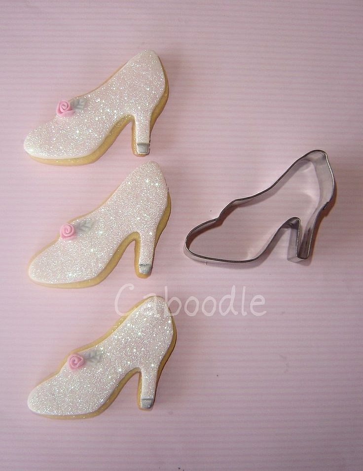 Too cute Cinderella cookies