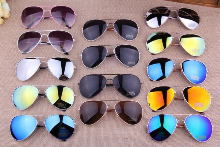 Купить товар15 цветов 2014 продажа дизайнер синий зеркальные солнечные очки мужчины серебряное зеркало старинные очки женщины очки горячая бесплатная доставка в категории Солнцезащитные очкина AliExpress. FreeShipping 2015 Star Style Sunglasses Women Luxury Fashion Summer Sun Glasses Vintage Sunglass Outdoor Goggles Eyeglas