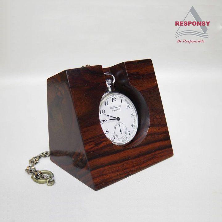 Custom fashionable vintage wooden pocket watch display