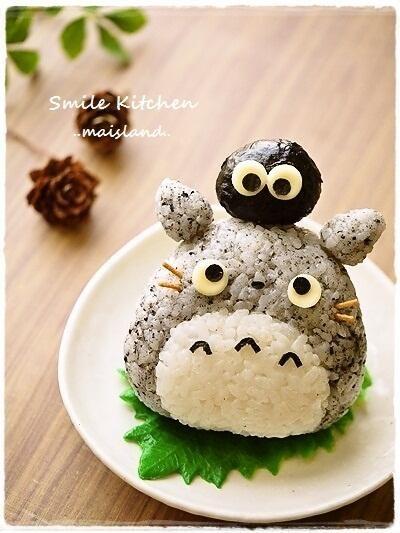 """Kyaraben (Character Lunch Box) """"My Neighbor Totoro"""" Onigiri #OYSHEE #japanese"""