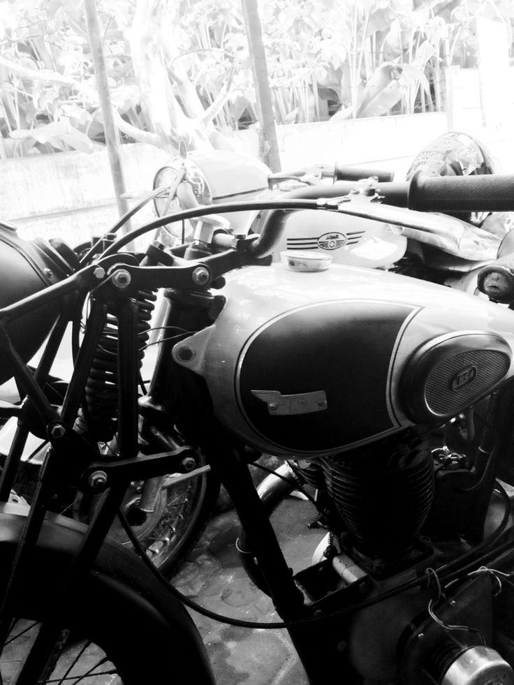 #savemotorkolot #classicmotorcycle #bsa #jawa #bandung #indonesia