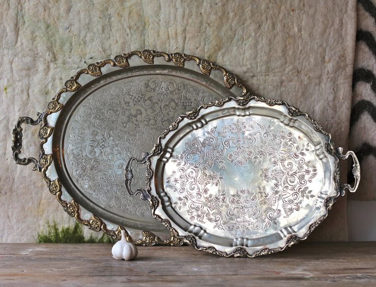 Vintage metal tray oval