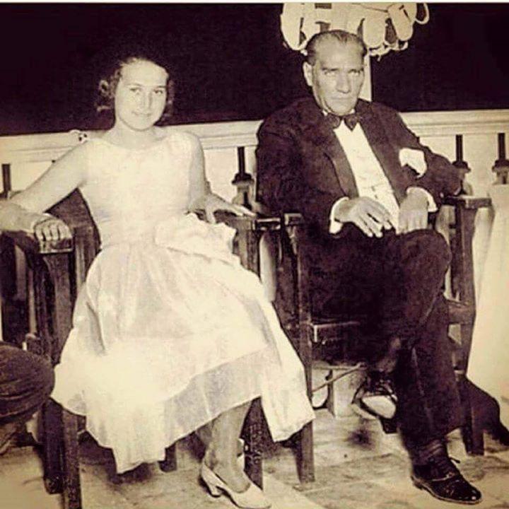 Ataturk ve Muzeyyen Senar