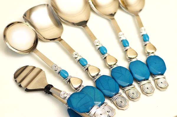 http://www.beadshop.com.br/?utm_source=pinterestutm_medium=pintpartner=pin13 #Beaded #cutlery talher decorado