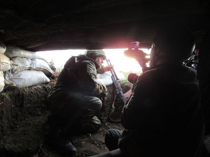 Western HBO News group under Ukrainian fire in Zaitsevo, Donetsk People's Republic - http://www.therussophile.org/western-hbo-news-group-under-ukrainian-fire-in-zaitsevo-donetsk-peoples-republic.html/